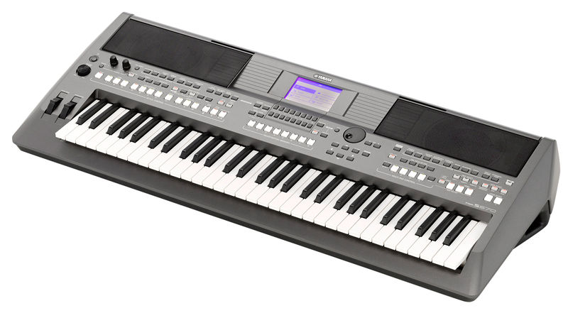YAMAHA -PSRS670- Keyboard 61 keys